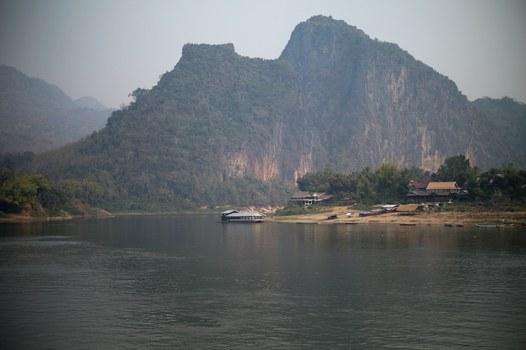 Hình minh hoạ. Quang cảnh công trường xây đập thuỷ điện Luang Prabang trên sông Mekong ở Lào hôm 5/2/2020