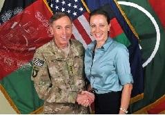 Tướng Petraeus và Paula Broadwell- salon.com photo