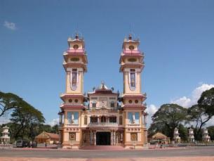 Tòa Thánh Tây Ninh của đạo Cao Đài