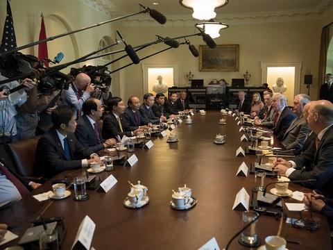 Tổng thống Hoa Kỳ Donald Trump tiếp Thủ tướng Việt Nam Nguyễn Xuân Phúc tại Nhà Trắng vào chiều ngày 31 tháng 5 năm 2017.