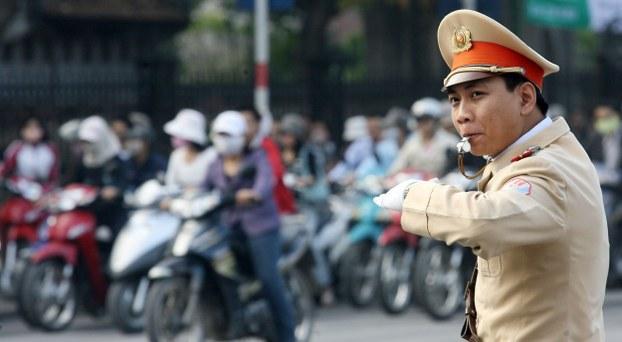 Ảnh minh họa.  Cảnh sát giao thông tại Hà Nội.