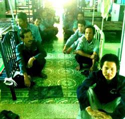 Xếp hàng đợi giờ ăn ở một Trung tâm bảo trợ xã hội Việt Nam.