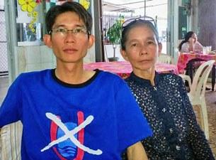 Anh Đinh Nhật Uy và mẹ là bà Nguyễn Thị Kim Liên