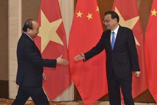 Thủ tướng Việt Nam Nguyễn Xuân Phúc và Thủ thướng Trung Quốc Lý Khắc Cường tại Trung Quốc hôm 26/4/2019.