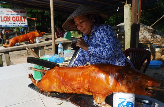 Ảnh minh họa: Thịt heo quay. AFP