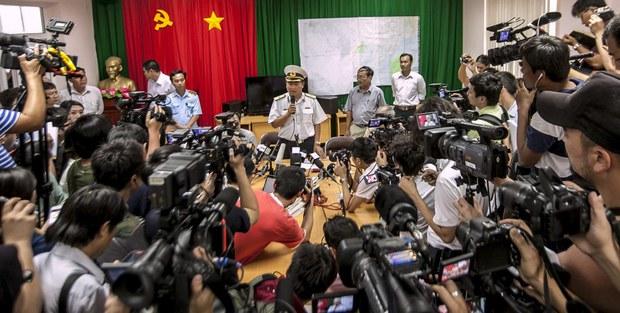 Phóng viên viết sai ý Đảng phải vào tù