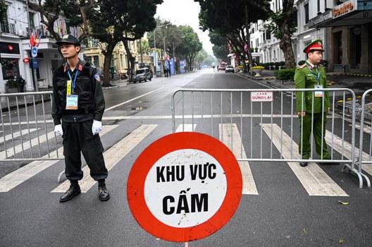 Cảnh sát Việt Nam tại Hà Nội trước hội nghị thượng đỉnh Mỹ-Triều Tiên lần hai. Ảnh chụp ngày 27/2/2019.