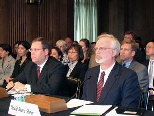 Ông David Bruce Shear điều trần trước Thượng Viện Hoa Kỳ hôm 6-4-2011