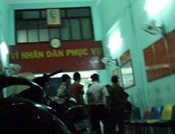 8 người tham gia trận bóng đá ra mắt đội bóng No U Sài Gòn bị đưa về đồn công an phường Bến Nghé - Quận 1, chiều ngày chủ nhật 27 tháng 11 năm 2011. Courtesy Danlambao.