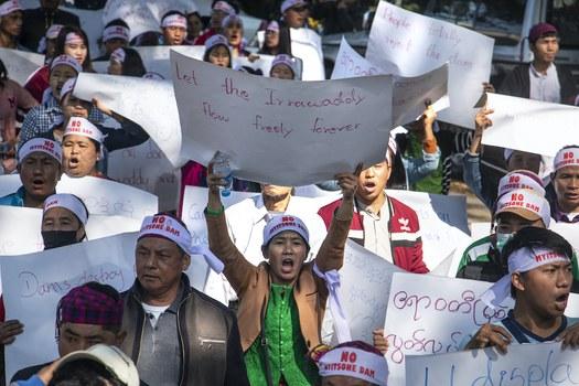 Hình minh hoạ. Hơn 1 ngàn người Myanmar biểu tình đòi chính phủ chấm dứt hẳn việc xây dựng đập Myitsone ở Myitkyina, thủ phủ của bang Kachin hôm 7/2/2019