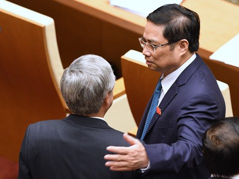 Ông Phạm Minh Chính (người bên phải) được cho là sẽ kế nhiệm Thủ tướng Nguyễn Xuân Phúc
