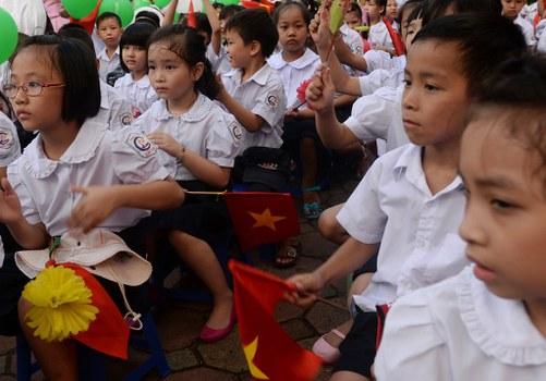 Các em học sinh một trường tiểu học ở Hà Nội trong ngày khai giảng.