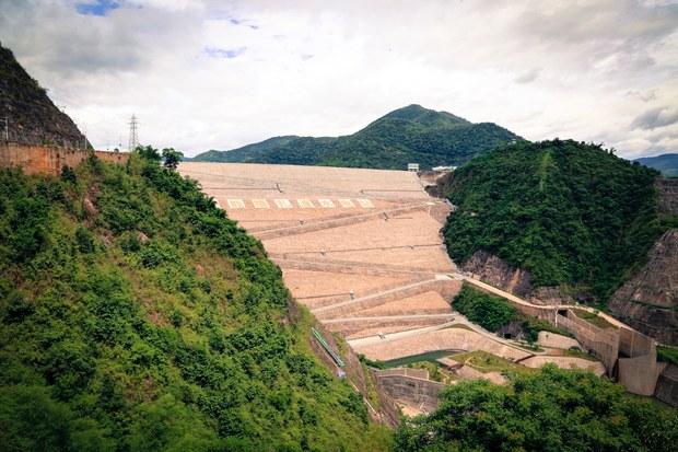 Đập thủy điện Nọa Trát Độ (Nuozhadu) là một trong những con đập lớn nhất Trung Quốc.