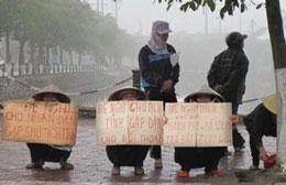 Những người dân oan kêu gọi công lý (Files photos)