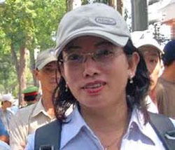Nhà báo Tạ Phong Tần