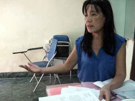 Cô giáo Nguyễn Thị Minh Đệ, giảng dạy môn hóa học tại Trường THPT chuyên Lương Văn Chánh, tỉnh Phú Yên.
