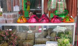 Một gian hàng bán đồ Tết tại chợ Việt Nam ở Bangkok - Thái Lan, ảnh chụp trước đây. Courtesy VOV.