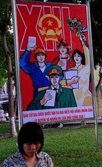 Pano tuyên truyền cho kỳ bầu cử quốc hội lần thứ 13 năm 2011. AFP photo