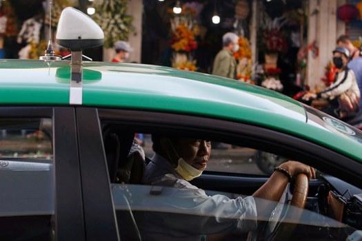 Một tài xế taxi ở Thành phố Hồ Chí Minh. Ảnh chụp ngày 13 tháng 2 năm 2020.