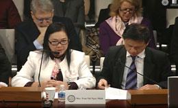 Bà Trần Thị Ngọc Minh là thân mẫu của nhà hoạt động Đỗ Thị Minh Hạnh trong buổi điều trần tại Quốc hội Hoa Kỳ, hồi tháng 1, 2014.
