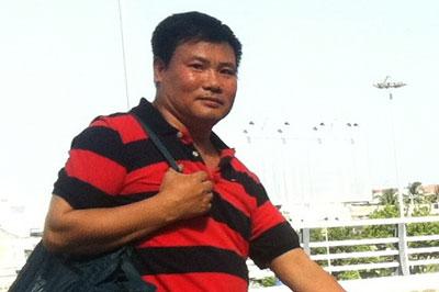 Nhà báo, blogger Trương Duy Nhất rời trại giam số 6 của Bộ công an Thanh Chương, Nghệ An ngày 26 tháng 5 năm 2015.
