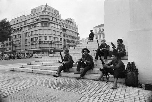 Bộ đội Bắc Việt tại trung tâm thành phố Sài Gòn vào ngày 30 tháng 4 năm 1975.