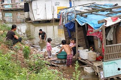 Dân nơi đây có thể nói là những người nghèo nhất Hà Nội. Courtesy TCTN Phía Trước