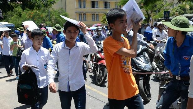 Hình minh hoạ. Sinh viên dự kỳ thi tuyển sinh đại học ở Hà Nội hôm 1/7/2015