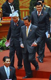 Các ông Nguyễn Minh Triết, Nguyễn Tấn Dũng, Nguyễn Phú Trọng và Trương Tấn Sang tại Hà Nội hôm 17/1/2011. AFP photo