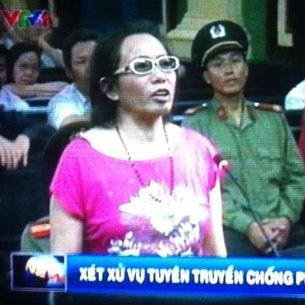 Ngày 24/09/2012 blogger Tạ Phong Tần bị tòa TP Hồ Chí Minh xử 10 năm tù, 5 năm quản chế.