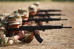 Lính TQ trong một buổi huấn luyện tháng 3/2010. AFP photo