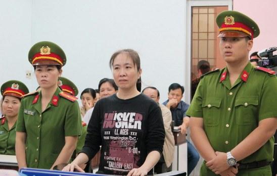 Blogger Nguyễn Ngọc Như Quỳnh bị kêu án 10 năm tù giam. 2017.
