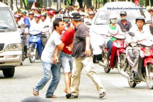 Nhiều người bị bắt giữa đường phố cũng không có gì là lạ; những người bị bắt hôm 12/6 đều không hiểu vì sao mình bị bắt