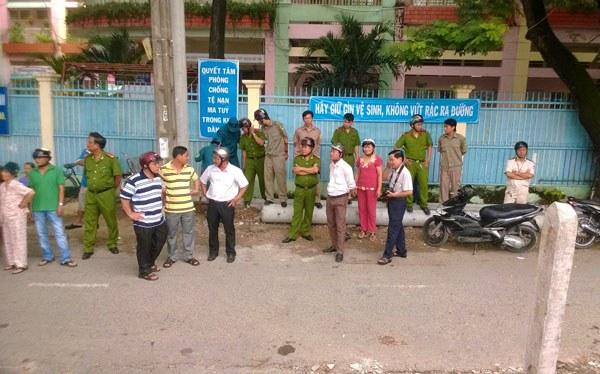 Công an, an ninh rải rác khắp nơi quanh khu vực Vườn rau Lộc Hưng