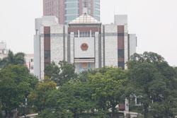 Toà nhà Uỷ ban nhân dân TP Hà Nội hôm 11-07-2011. RFA photo.