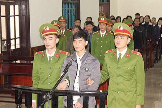 TNLT Nguyễn Văn Hóa tại phiên tòa ở Hà Tĩnh hôm 27/11/2017