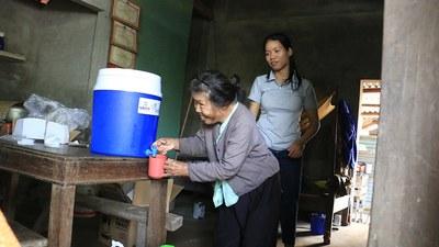 Những chương trình của USAID nhắm vào người khuyết tật, gia đình và cộng đồng của hộ tại 8 tỉnh. Ảnh chụp ngày 27/11/2020 tại Quảng Nam.