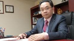 Luật sư Vũ Đức Khanh, ảnh chụp tại văn phòng của ông trước đây. File photo.