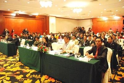 """Quan khách tham dự Buổi tọa đàm """"Chung tay phòng, chống tham nhũng vì sự phát triển"""" diễn ra ngày 9.12. 2014 tại Hà Nội. Courtesy thanhtra.gov.vn"""