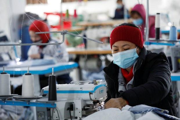 Doanh nghiệp Việt ngấm đòn COVID-19: sức chống chọi vơi dần