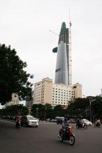 Công trình xây dựng Tòa nhà Bitexco Financial tại TPHCM. RFA PHOTO.