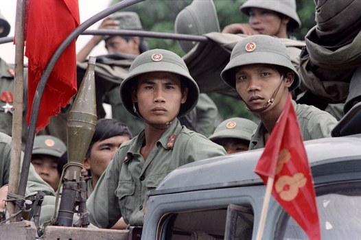 Bộ đội Việt Nam chuẩn bị rời thị trấn Battambang, Campuchia hôm 20 tháng 9 năm 1989.