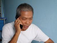 Hình ảnh người Tù Trương Văn Sương đang trả lời phỏng vấn của Biên Tập Viên Thanh Quang đài RFA. RFA
