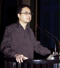 LS Lê Công Định trước toà hồi tháng 1-2011 - AFP photo