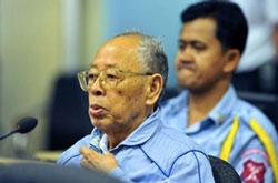 Bị cáo Ieng Sary, nguyên bộ trưởng Ngoại giao Khmer đỏ. AFP