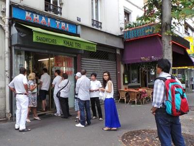 Tiệm Bánh mì thịt Việt Nam Khai Trí tại Paris, Pháp. RFA PHOTO/Tường An.