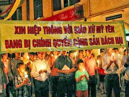 Giáo xứ Thái Hà, Dòng Chúa Cứu Thế Hà Nội thắp nến cầu nguyện cho anh chị em giáo dân giáo xứ Mỹ Yên đêm 8 tháng 9, 2013 (thanhnienconggiao)