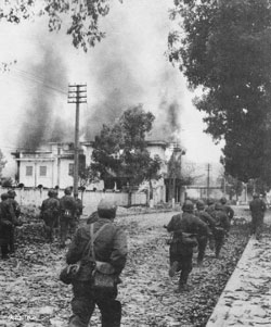 Quân Trung Quốc đánh Lạng Sơn năm 1979. Source DSWC china