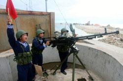 Hải quân Việt Nam tập trận bắn đạn thật tại Trường Sa, tháng 6-2011. AFP PHOTO.