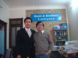 Luật sư Lê Quốc Quân (phải) và Nguyễn Tiến Trung, ảnh chụp trước đây. Photo courtesy of danluan.org